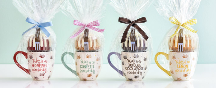 4 bundtlets in 4 individually gift-wrapped mugs